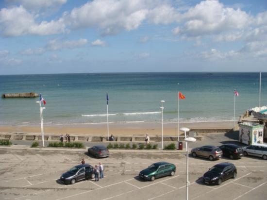 Hotel de Normandie: Vu de la chambre, en face