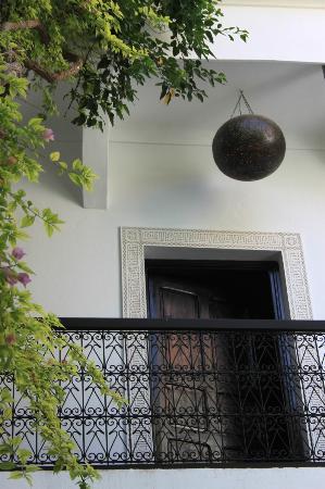 Riad Lhena: Style