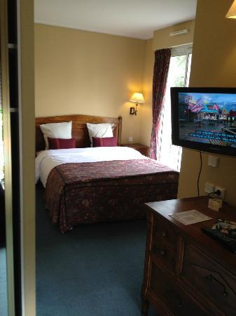 Augeval Hotel: et coté lit