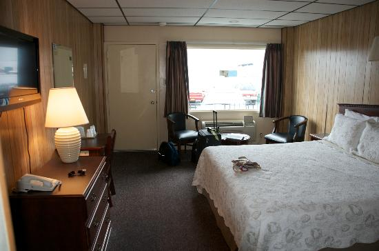 The Freeport Inn and Marina: Room