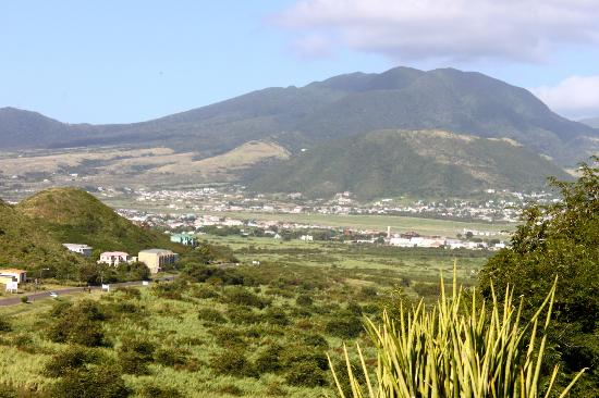 Rock Haven Bed & Breakfast: View of St-Kitts from Rock Haven Bed and breakfast