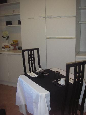 Chartaria, sala colazione
