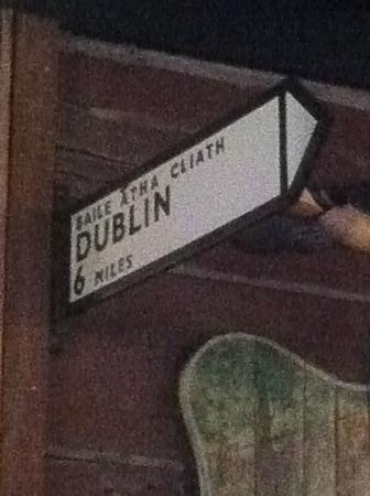 Nine Irish Brothers : Dublin sign in 9 Brothers