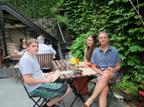 5 Ninth : Brunch of Father's Day in the Outdoor Courtyard