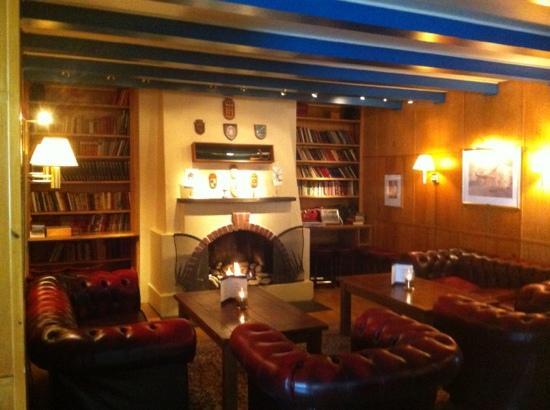 Spitsbergen Hotel: Bibliothek