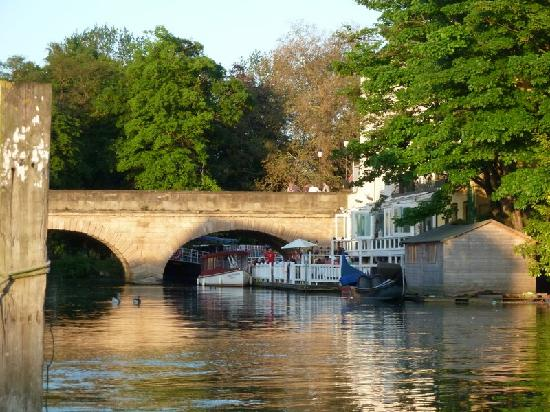Folly Bridge Oxford Picture Of Oxford River Cruises