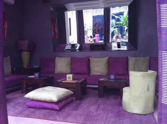 Riad Charlott': lounge area