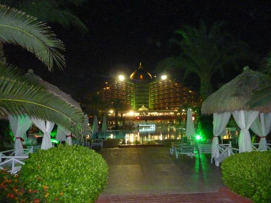 Delphin Palace Hotel: From the beach