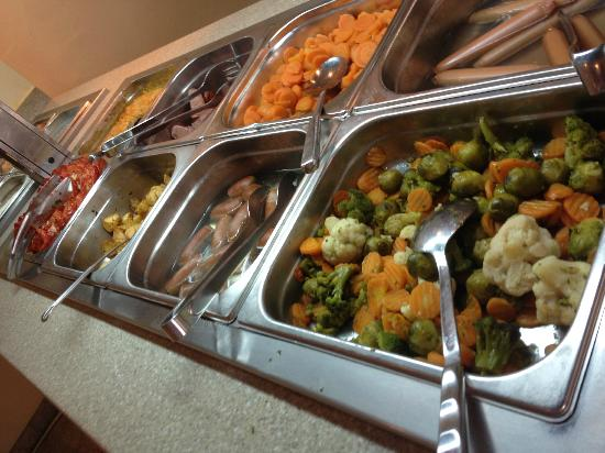 Iberostar Bellevue: brussels sprouts for breakfast (every day)