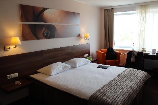 Mercure Marijampole: Nice bed.