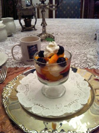 Antebellum Guest House: Breakfast course 1