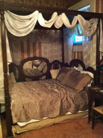 Antebellum Guest House : Bordello Room