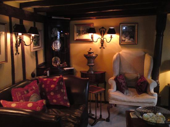 The Old Inn Bed and Breakfast : Guest Lounge
