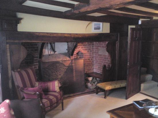 The Old Inn Bed and Breakfast : Guest lounge  -lovely open fire in the winter