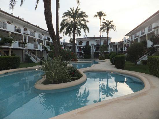 Bahia Azul: Great pools