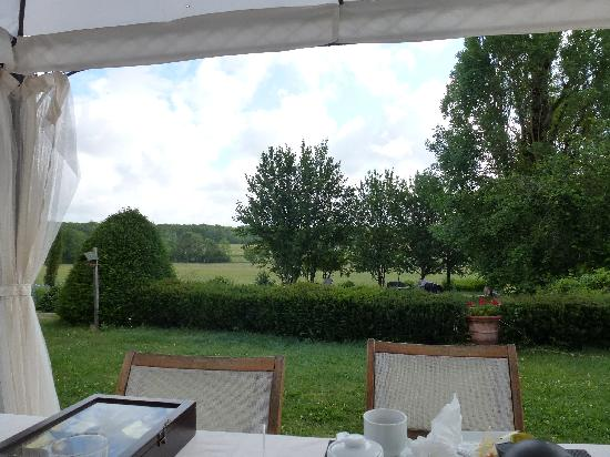 La Bastide de Chapdeuil  Chambres d'Hôtes : View from the breakfast table