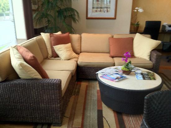 Élan Hotel: Lobby area