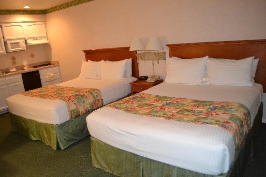 2 queen room 309