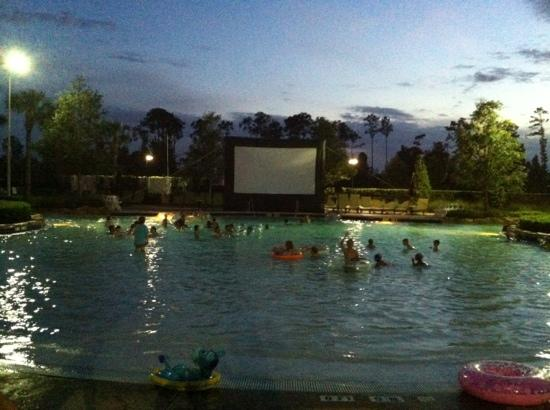 Waldorf Astoria Orlando: dive in movie at 9:00 pm nightly
