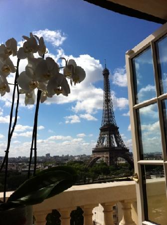 Shangri-La Hotel Paris : View from room 608
