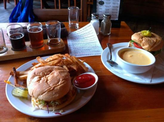 Howe Sound Brew Pub: Burgers