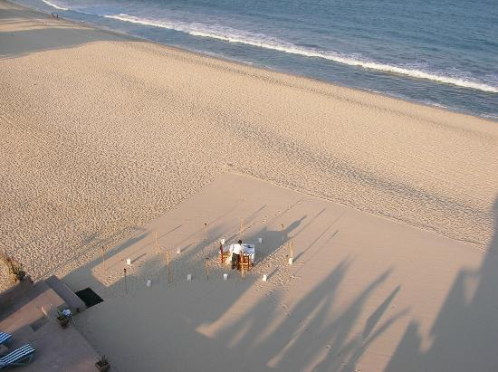 Casa Costa Azul Boutique Hotel: Preparations for dinner on the beach