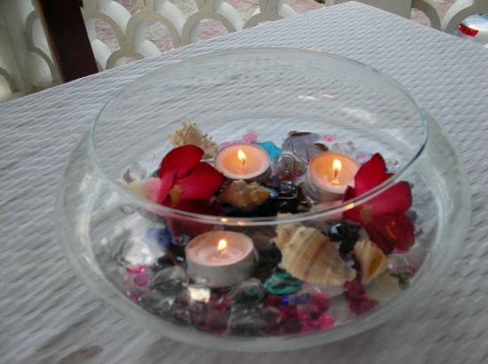 Casa Costa Azul Boutique Hotel: Centerpiece on table for dinner on the beach