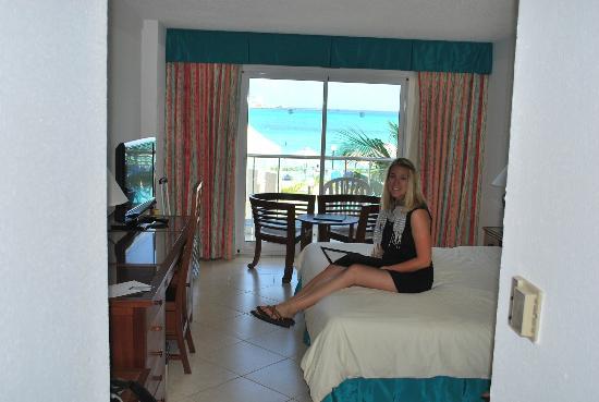 Great Bay Beach Resort, Casino & Spa: 3rd floor ocean view room