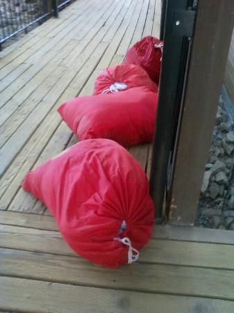 The Mountainside at Silver Creek: Laundry Bags Lying around everyday on walkways