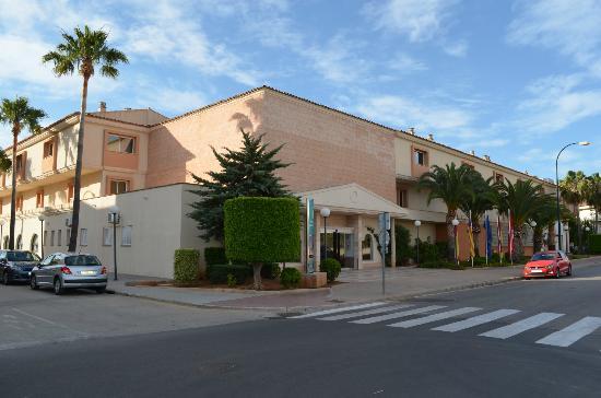 Aparthotel & Hotel Isla de Cabrera: aparthotel main entrance