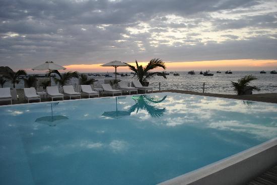 Mancora Marina Hotel: Atardecer en Máncora Marina Hotel
