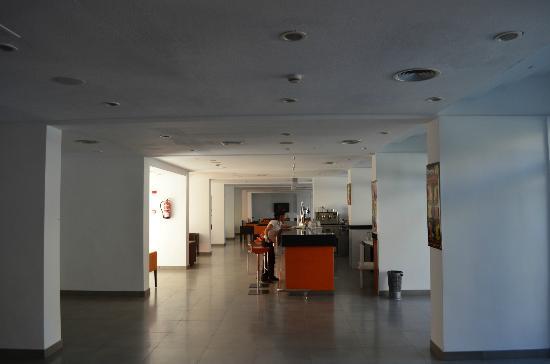 Aparthotel & Hotel Isla de Cabrera: bar hotel