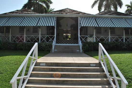 Round Hill Hotel & Villas: Main House