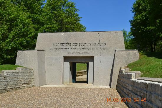 Tranchée des Baïonnettes : Entrance to the Trench
