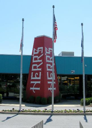 Herr's Snack Factory Tour: The entrance to the Herr's Snack Factory Visitor Center