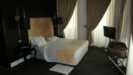 Palace Hotel Monte Real: Main room on Suite #210