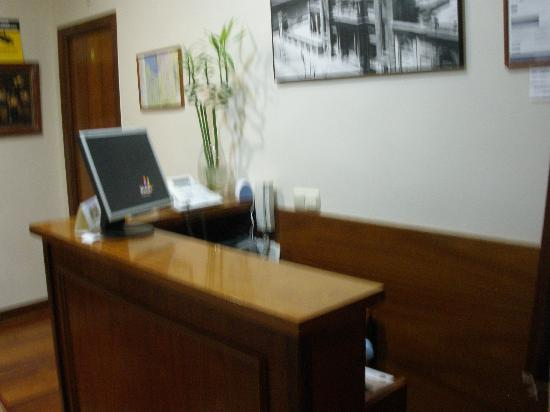 Pension Alameda: Front Desk Area