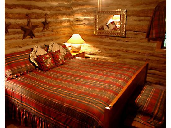 Weatherstone B & B: Corn Crib Bedroom