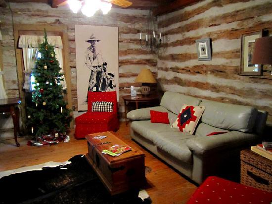Weatherstone B & B: Weaning Cabin Sitting Room