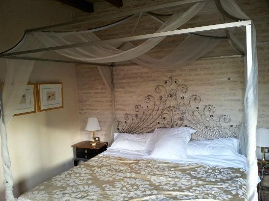 Hotel Casa 1800 Sevilla: King Size Bed in Room 302