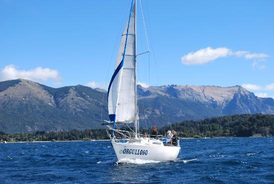 San Carlos de Bariloche, Argentina: El lago Nahuel Huapi, un verdadero paraíso nautico