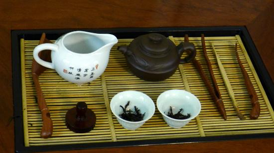 Flagstaff House Museum of Tea Ware: Tea set display