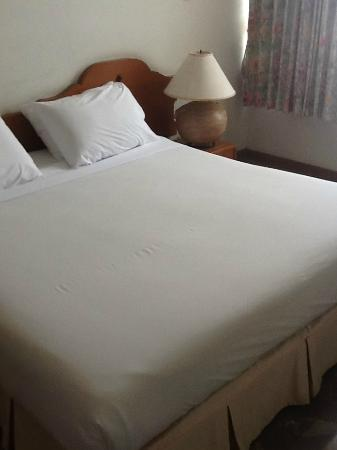 Royal Lanna Hotel: Bed