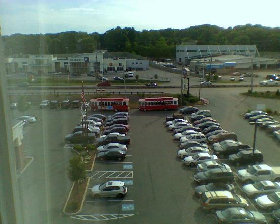Beantown Trolley: Trolleys arrive at hotel for the Wedding