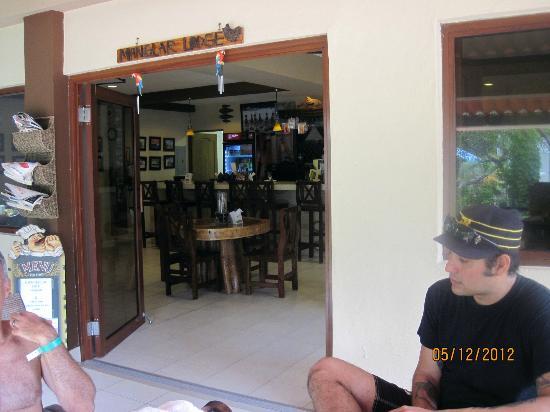 Manglar Lodge: Restaurant downstairs