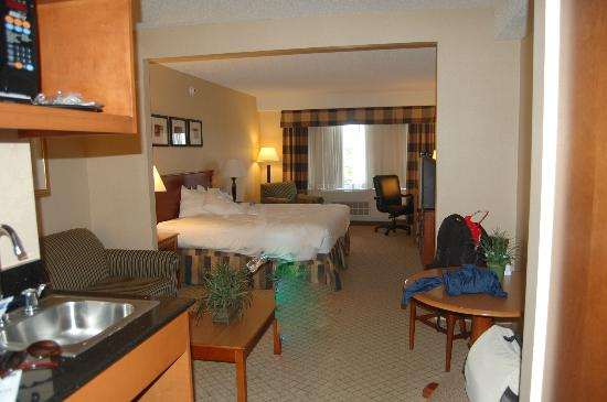 Holiday Inn Express East End: Good size King room