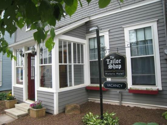 The Tailor Shop Historic Hotel: Tailor Shop entry