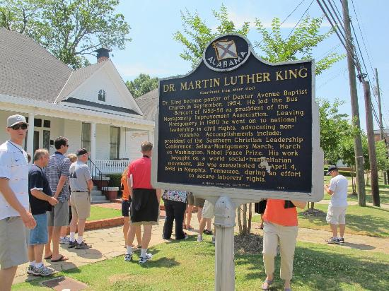 Dexter Parsonage Museum - Dr. Martin Luther King home: In front of the house