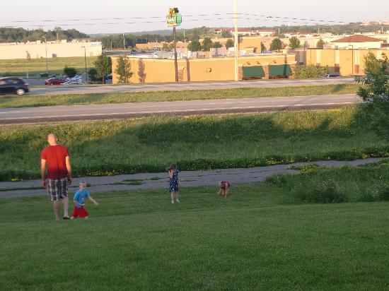 Mr. Pizza: Kids playing on the hill and path after dinner!