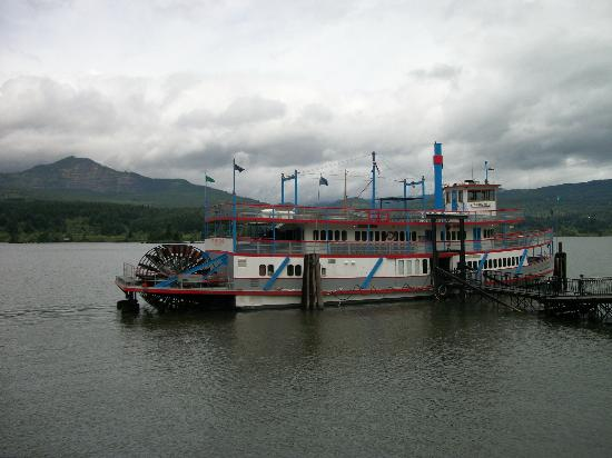 ‪The Columbia Gorge Riverboat‬